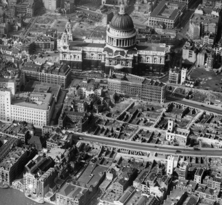 Aerial photo of St Paul's Cathedral area